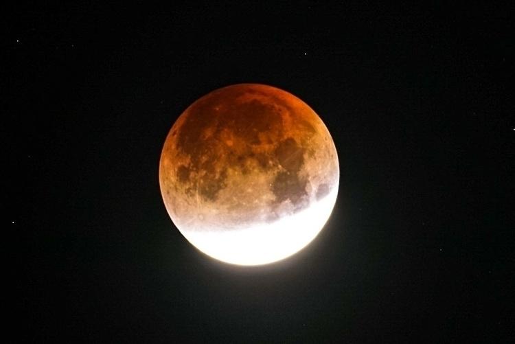 lunar eclipse Napa, California - bryangoffphoto | ello