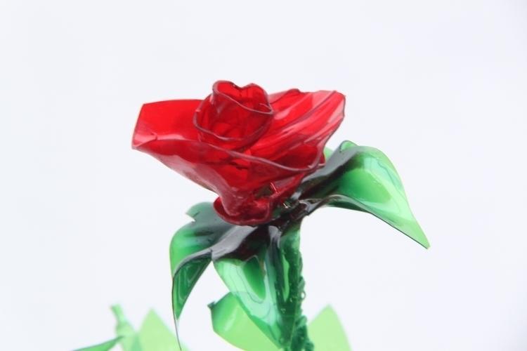 Flowers recycled plastic bottle - rosamontesa   ello