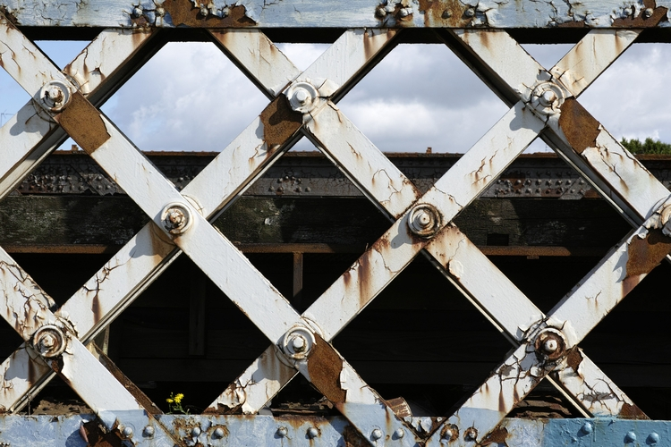 Railway bridge, Glasgow, Scotla - yannick_glasgow | ello