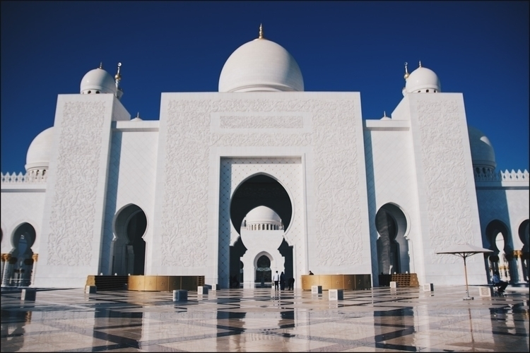 Sheikh Zeyad Mosque - photography - butimasian | ello