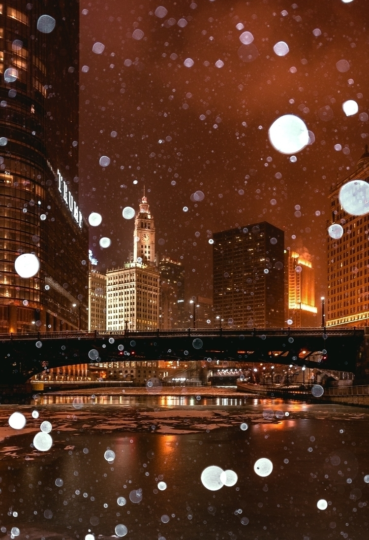 Waiting snow - Ello, Chicago, City - sky216 | ello