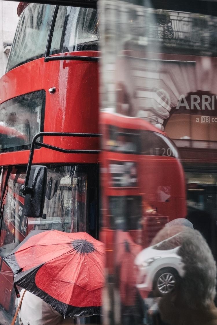 Red colour maviscw.com - london - maviscw   ello