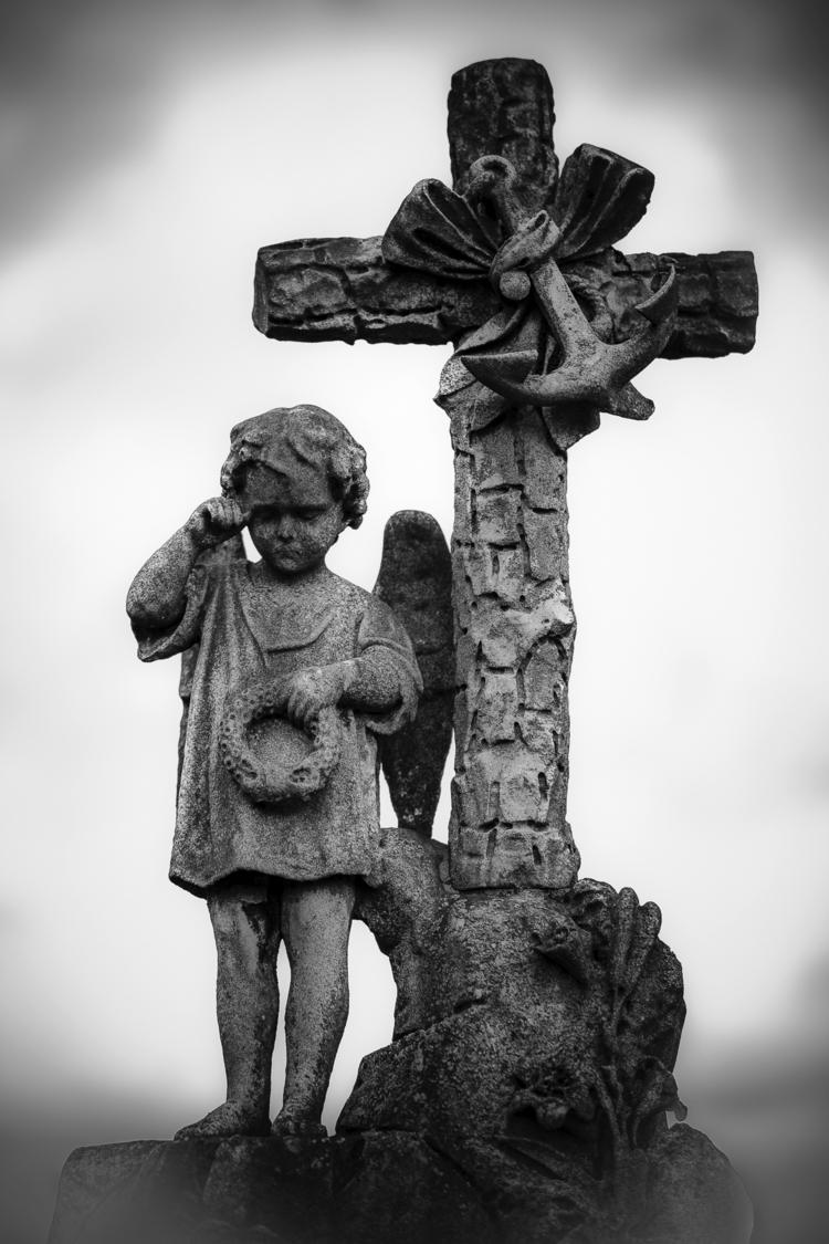 Weeping boy cross tear - statue - ericvandael | ello
