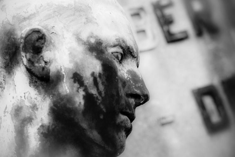Potrait Bronze - statue, cemetery - ericvandael | ello