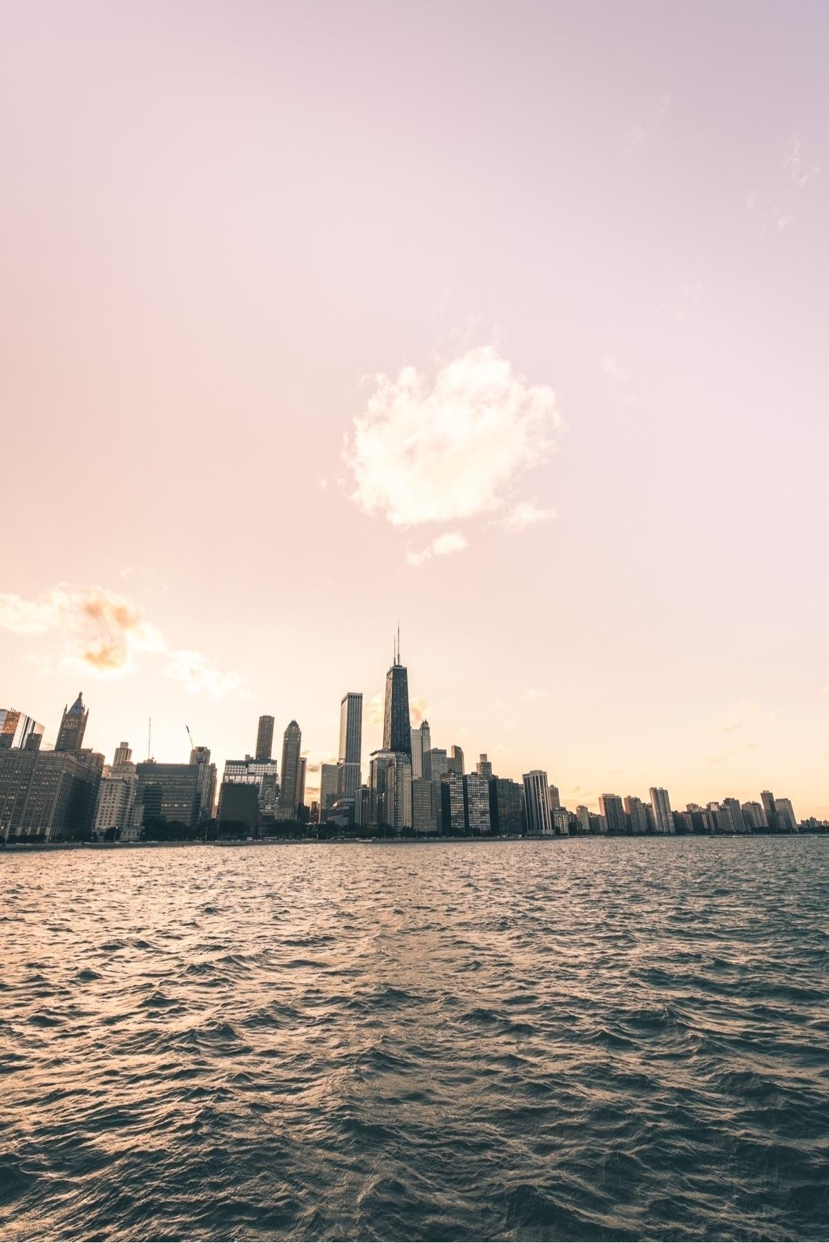 love perspective shot, city sta - kfvisual | ello