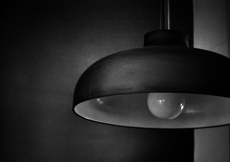 LAMPS CANON 450D photo - darkbeautymagazine - elenapetunia | ello