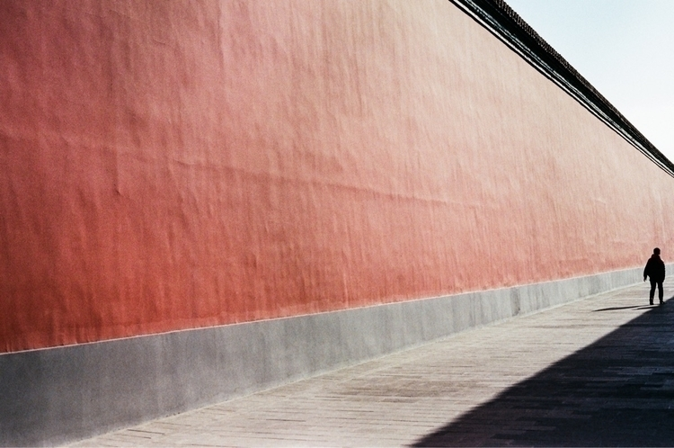Memory red Beijing - street#china#35mm#film#contaxg1#fuji400 - sean-c | ello