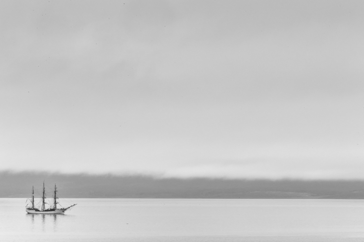 Navegando el Canal de Beagle - Ushuaia - izharmero | ello