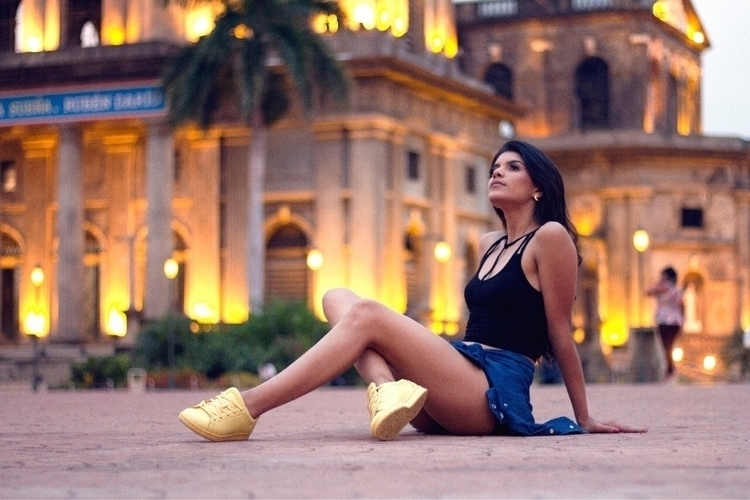 Girl. shoot journey Nicaragua.  - poncho_hn | ello