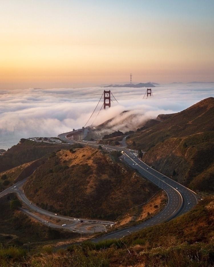 Foggy morning Golden Gate Bridg - longlucphotos | ello