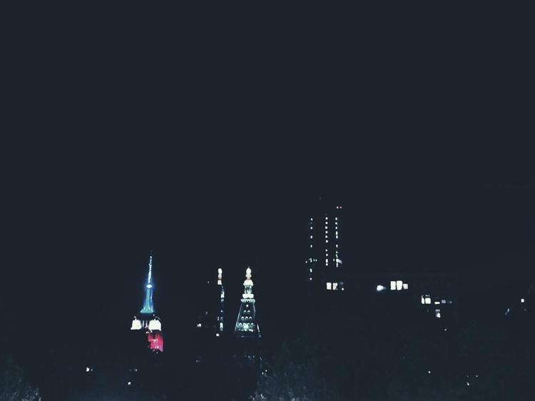 Empire shines - nyc, newyork, usa - dear_fia | ello