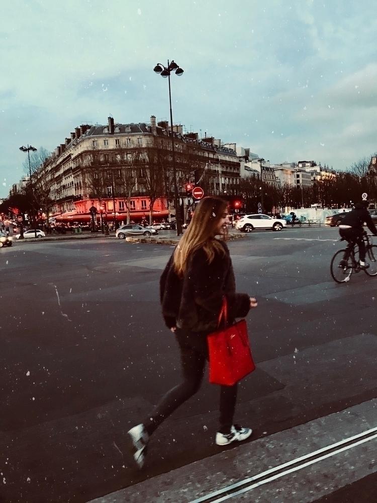 dream - Paris, ellomagazine - laiaarnau | ello