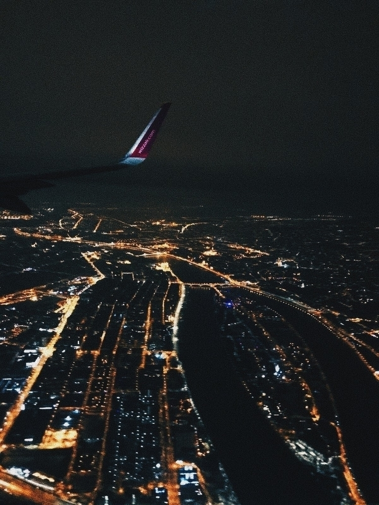 plane, views, photography, budapest - laucolombo | ello