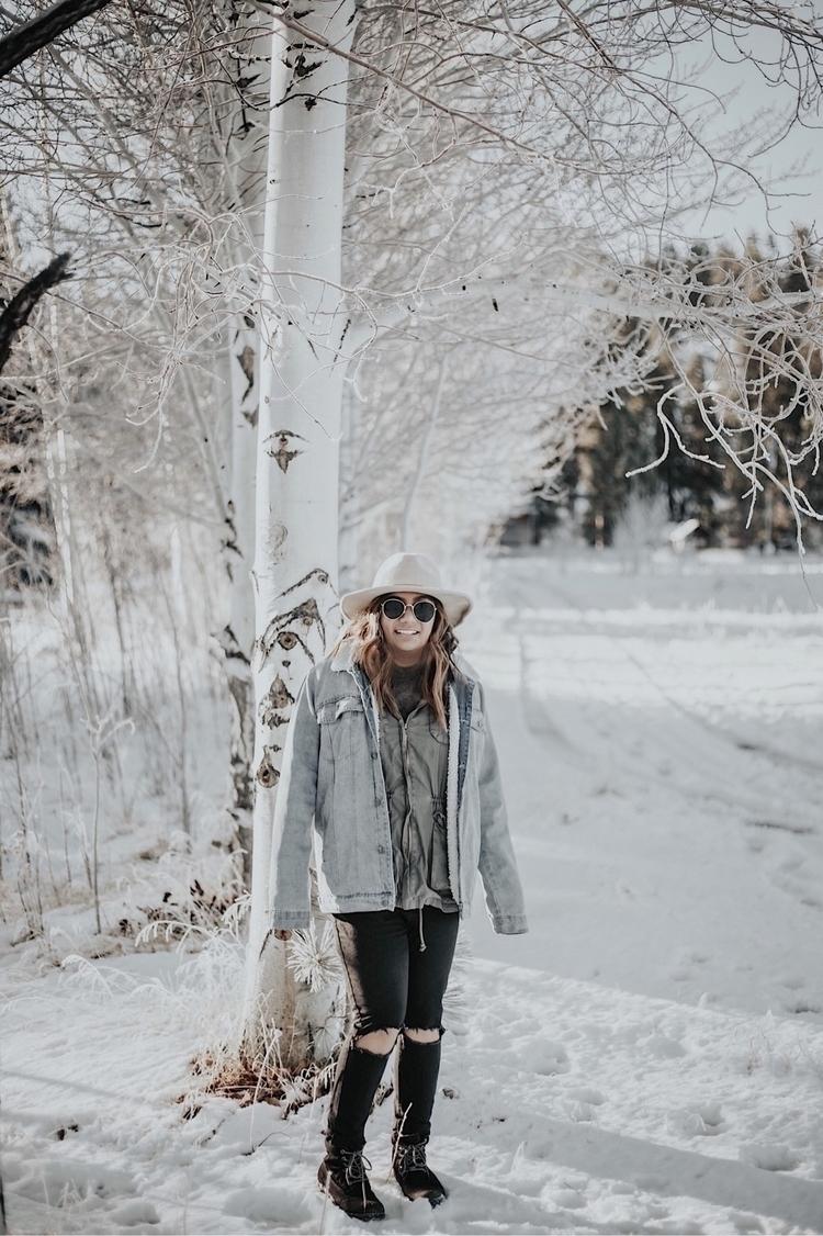Big Bear, California Ello - snow - vercreative | ello