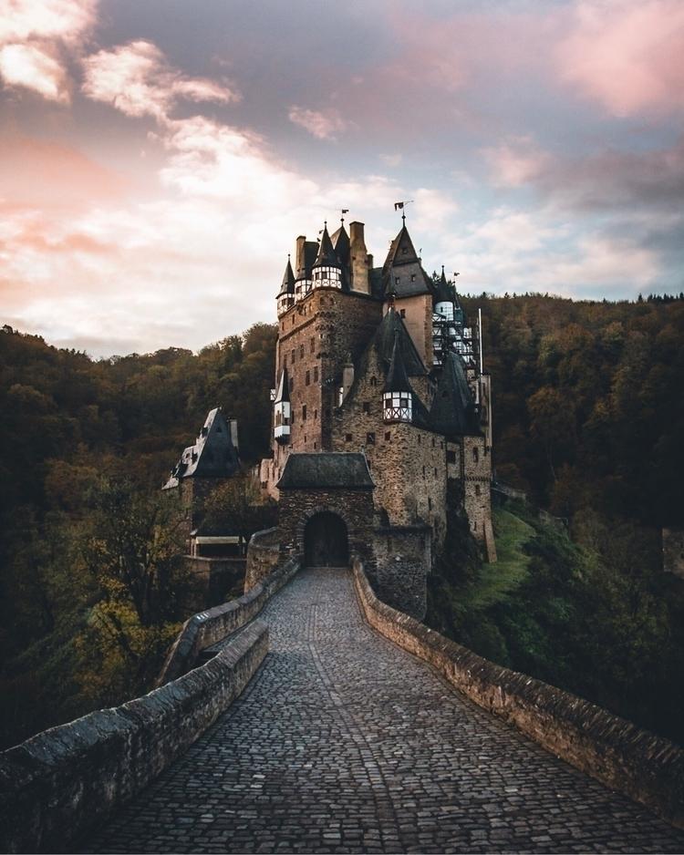 Early morning castle fairytale - benedikthuck | ello