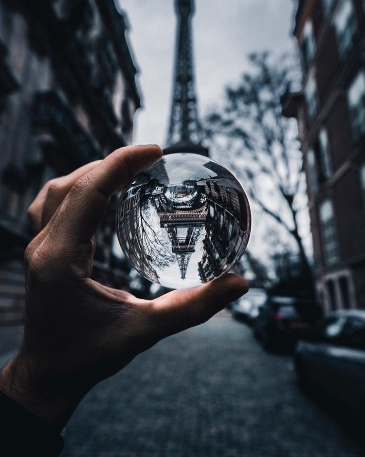 MOODY PARIS  - visualambassadors - marcplanes | ello
