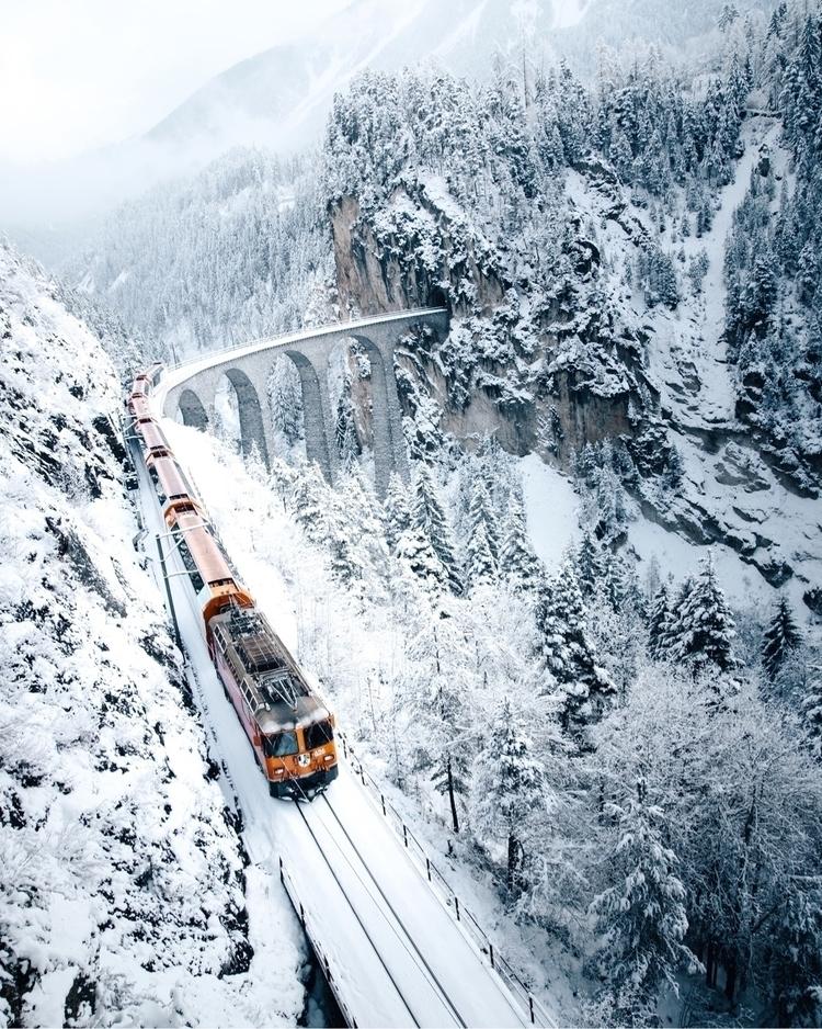 Polarexpress Graubünden, Switze - benjaminsavary | ello