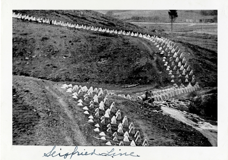 SUICIDE TRENCHES Siegfried Sass - charles_3_1416   ello