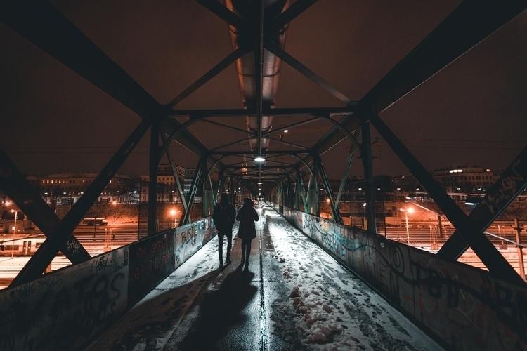 Strangers shadow crashing pictu - klausbrunner | ello