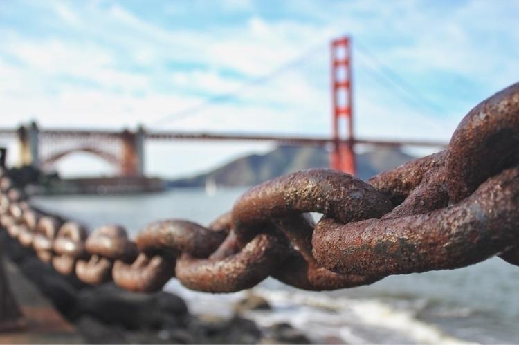Chained California lifestyle  - canon_photos - andyfuria | ello