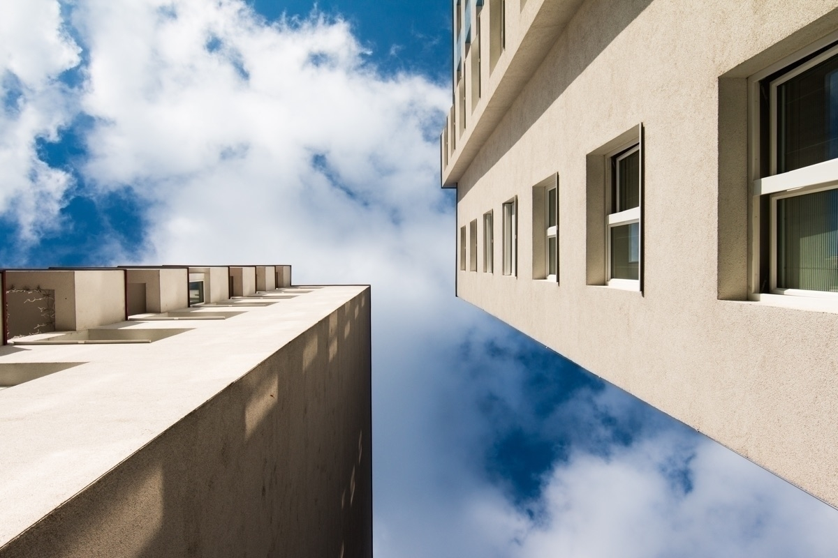 Blue Sky Gemeindebau! Vienna Di - origiginal | ello