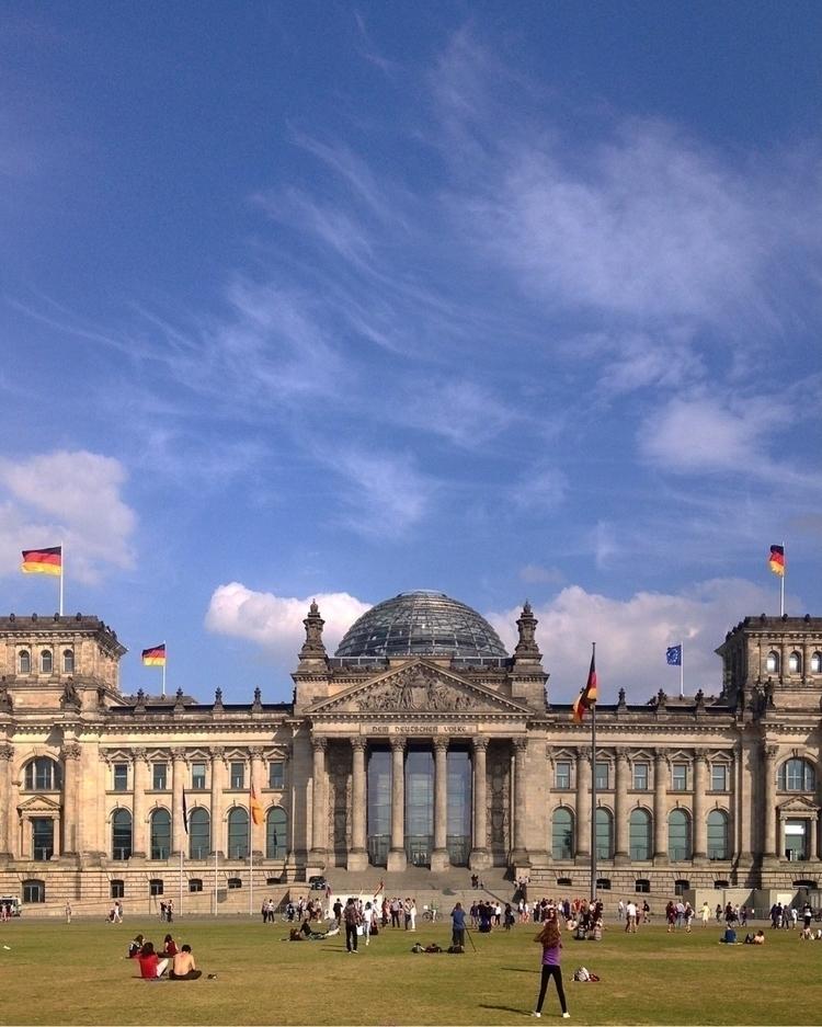 Reichstag Building - henriqueoli | ello