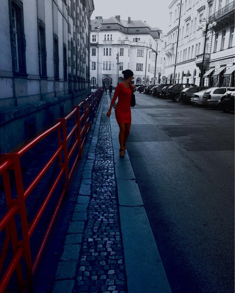 Red Dress Submitted Design Seed - henriqueoli | ello