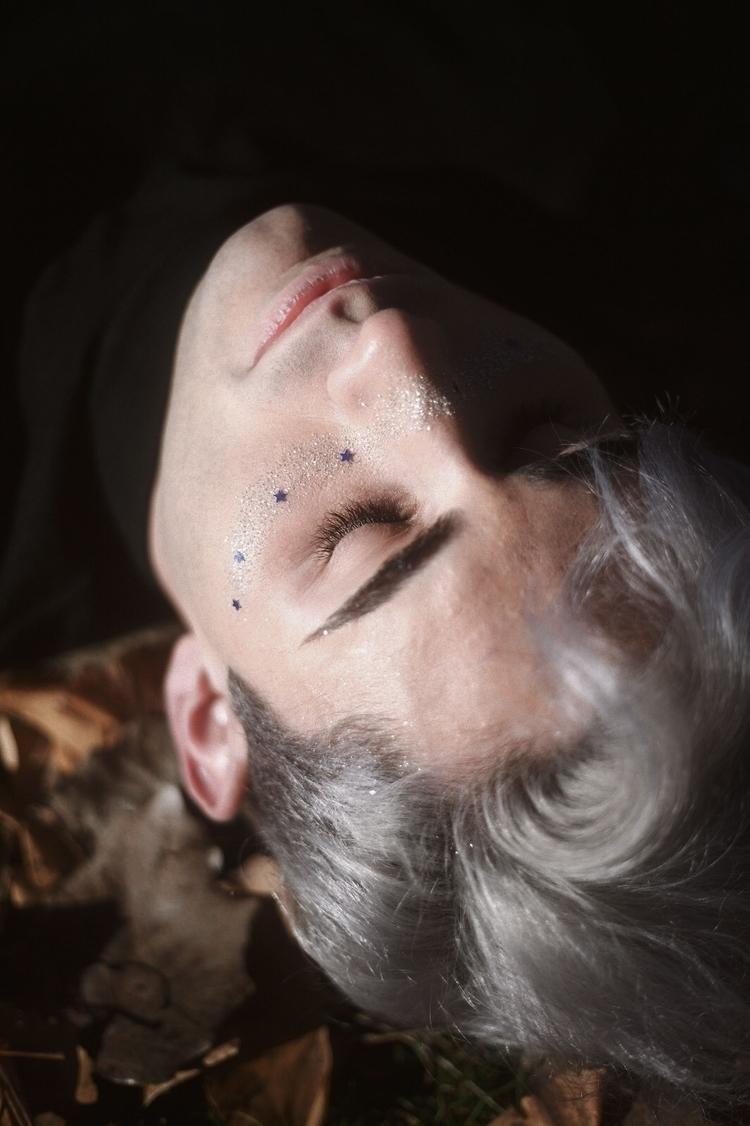 Sleep stars - voguemagazine, hallazgosemanal - rmarlett | ello