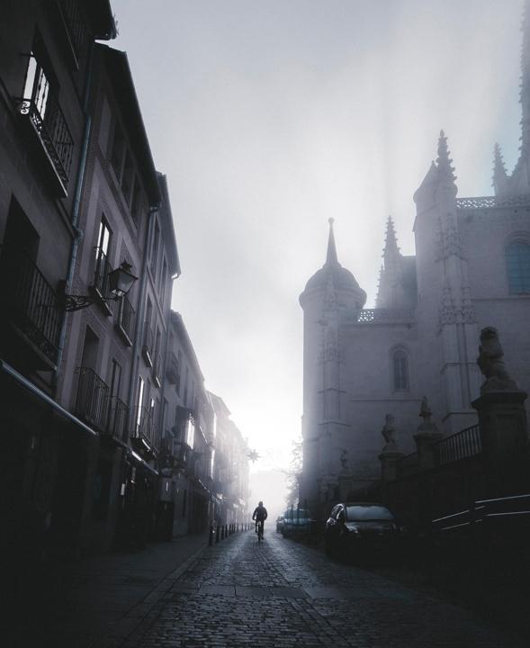 Foggy day Segovia. . 24/12/2017 - adrianapariciosanz | ello