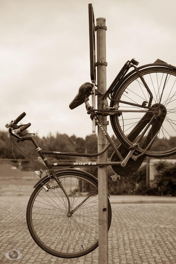 High Bike. hang high, chances s - pentaxke | ello