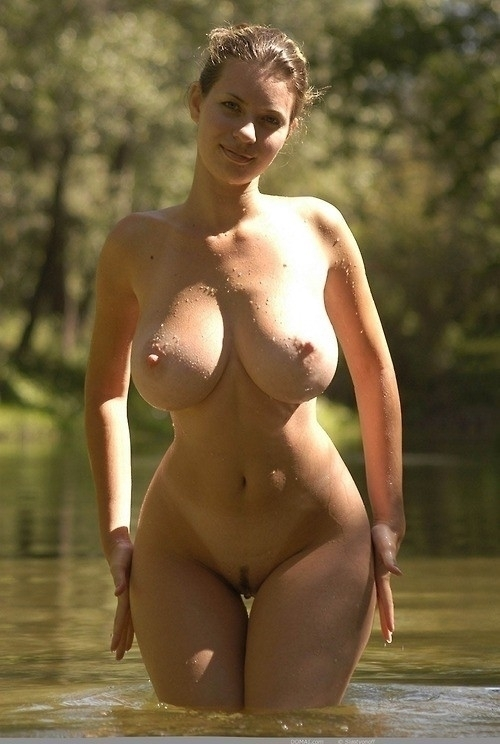 bigboobs, nude, pussy, bush, wet - blue-light | ello