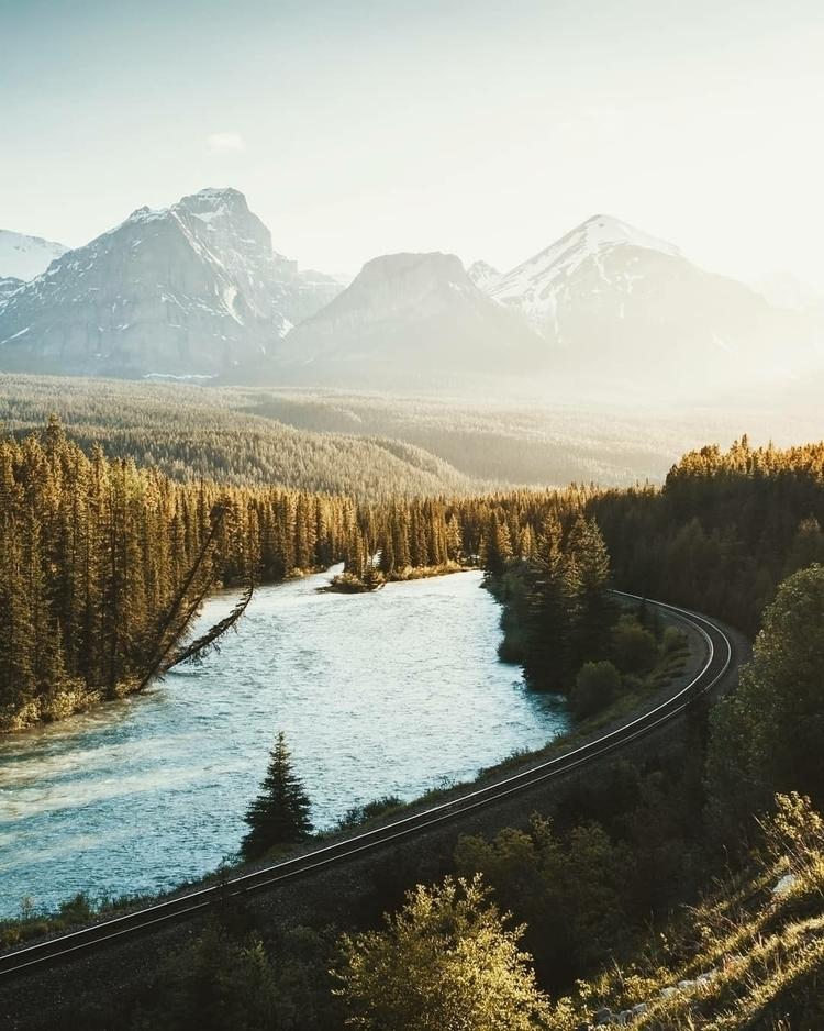 app cool view Rockies, Curve - alberta - victoraerden | ello