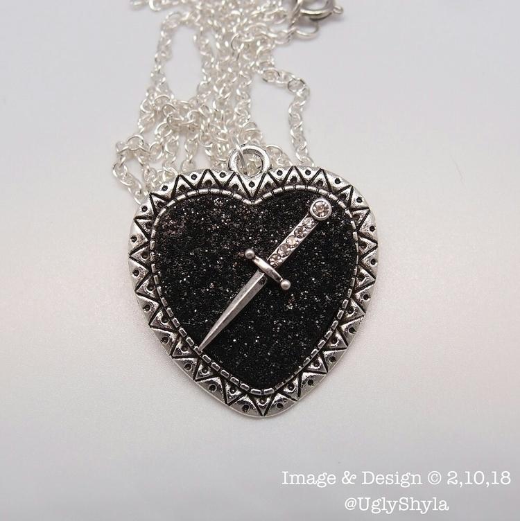 Black Glitter Heart Dagger Ugly - uglyshyla | ello