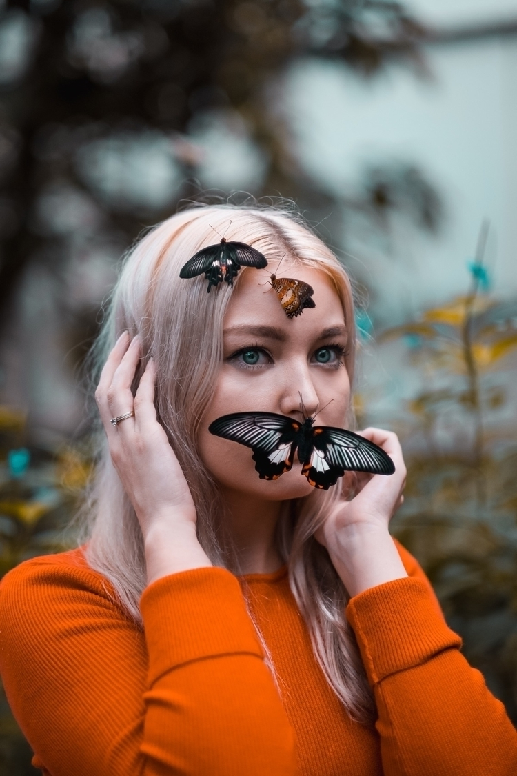 butterfly, portrait - thegoldengurl | ello