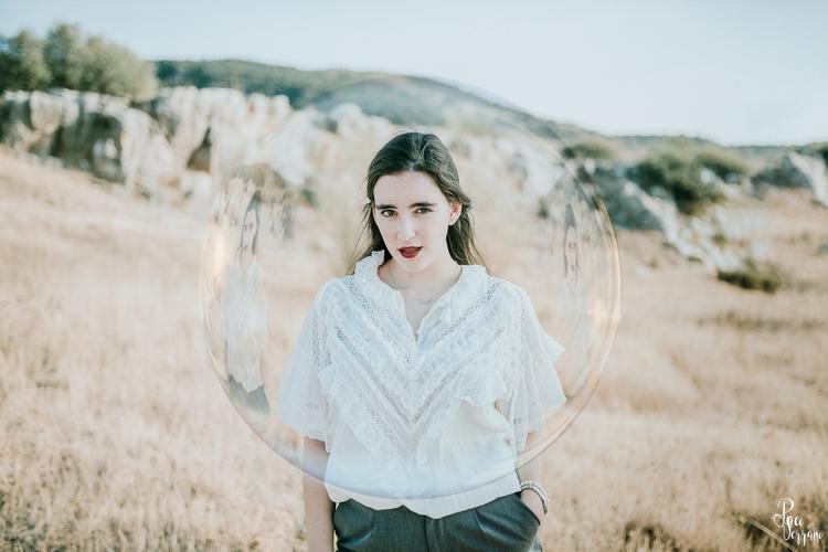 Adela - woman, portrait, girl, bubble - pacoserranofotografia   ello
