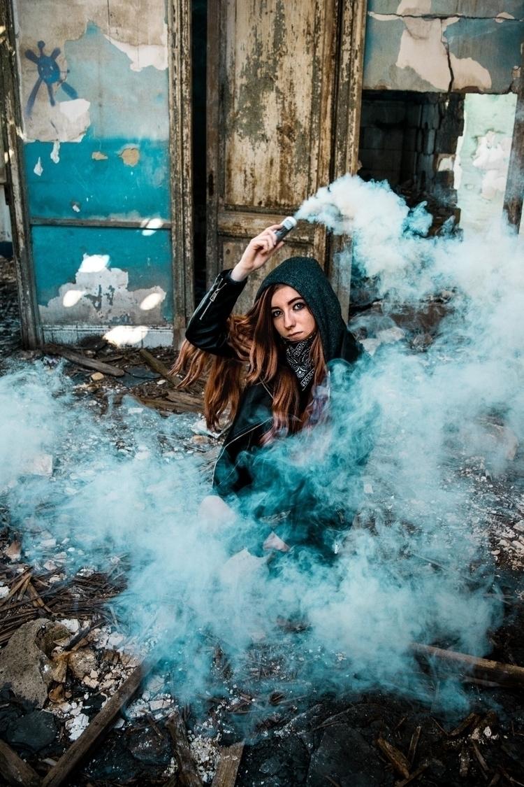 girl, flame. bright, burn eyes - bydiem96   ello