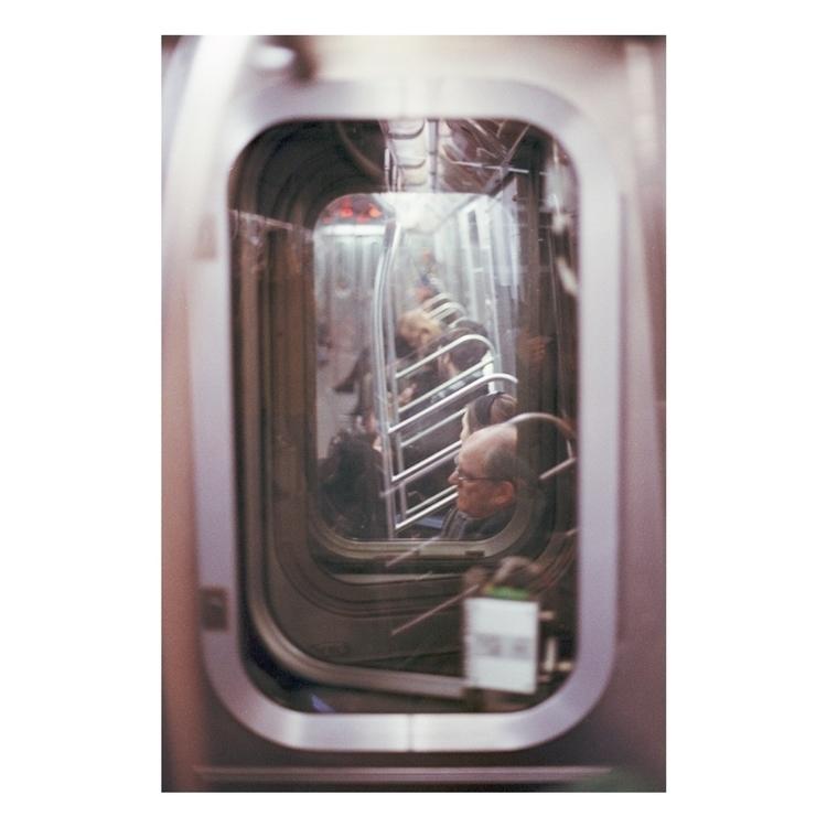 35mm, canonAE1, film, streetphotography - sebastian_vigil_ba | ello