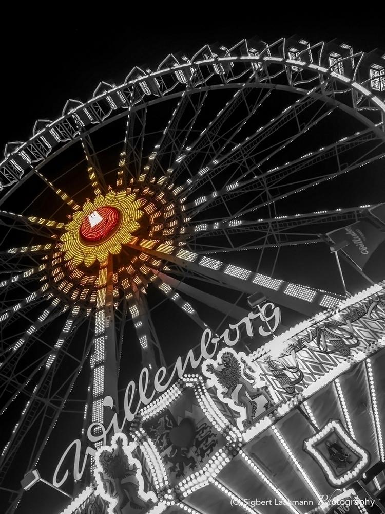 fun - carousel, live, photography - slaakmann | ello