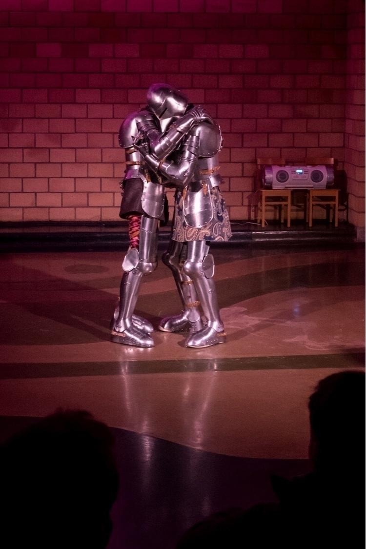 Hugs, everyday - knights, antigel - oliviermiche | ello