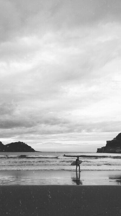 Donostia- San Sebastián - sand, surf - marialpzdeturiso | ello