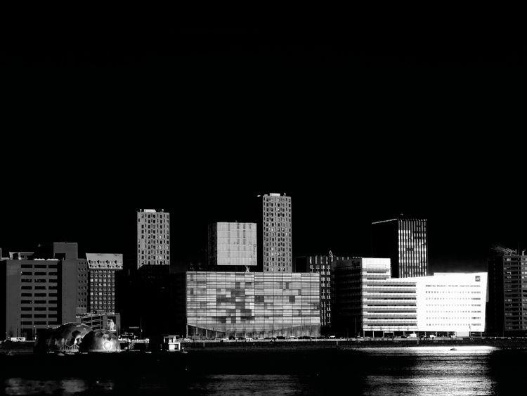 photography, architecture, blackandwhite - femaletroublebot | ello