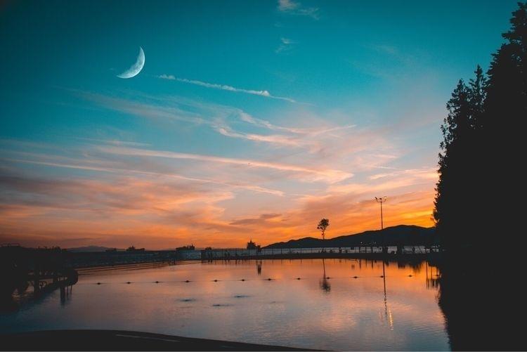 Summer vibes - Nikon, sunset, vancouver - readysetshutter | ello
