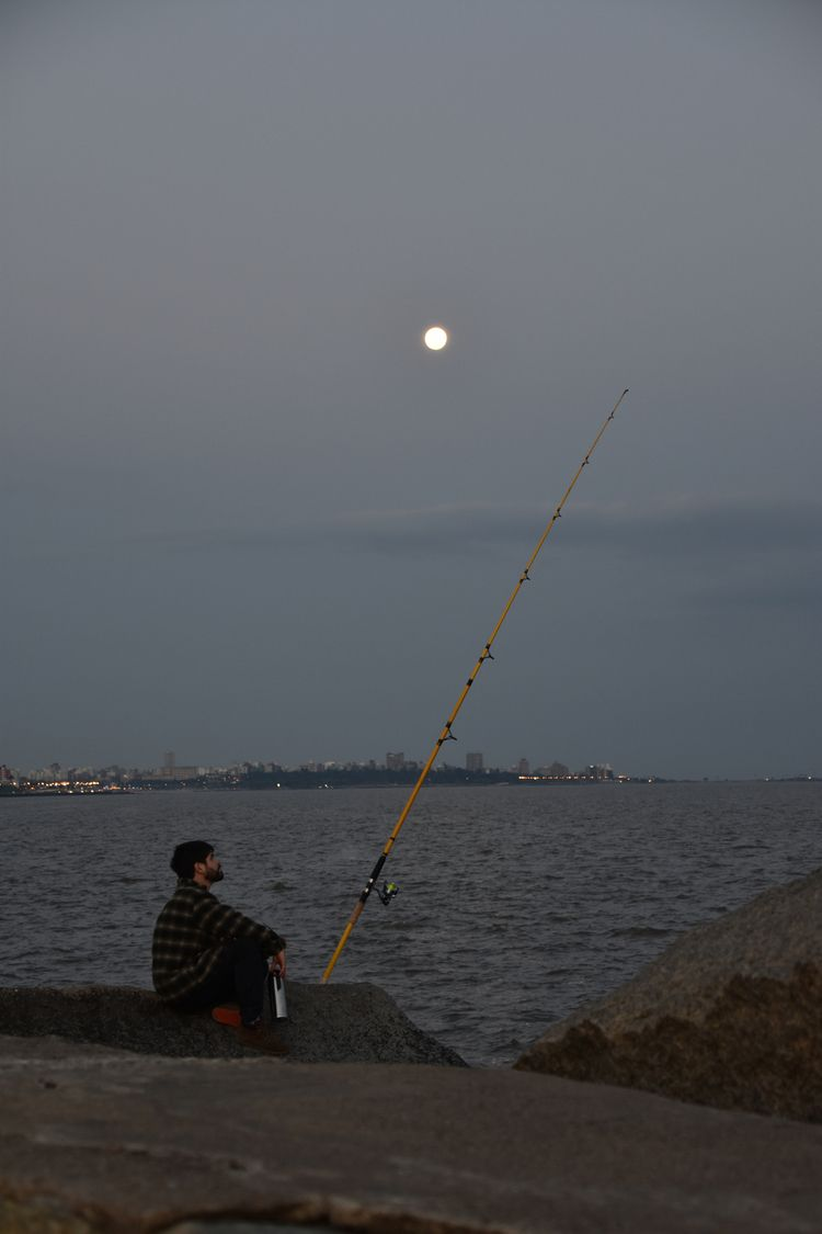 Late afternoon fishing - fedodes | ello