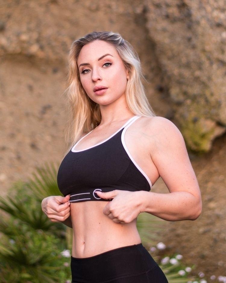 Danielle - model, fitnessmodel, fitness - kylecoury | ello