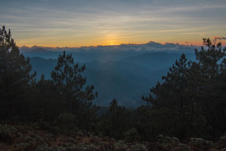 Sunrise Mt. Ulap, Itogon, Bengu - bryanbenida | ello