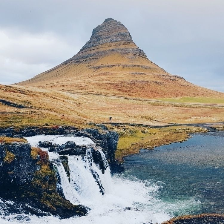 lonely mountain - iceland, nature - indess | ello