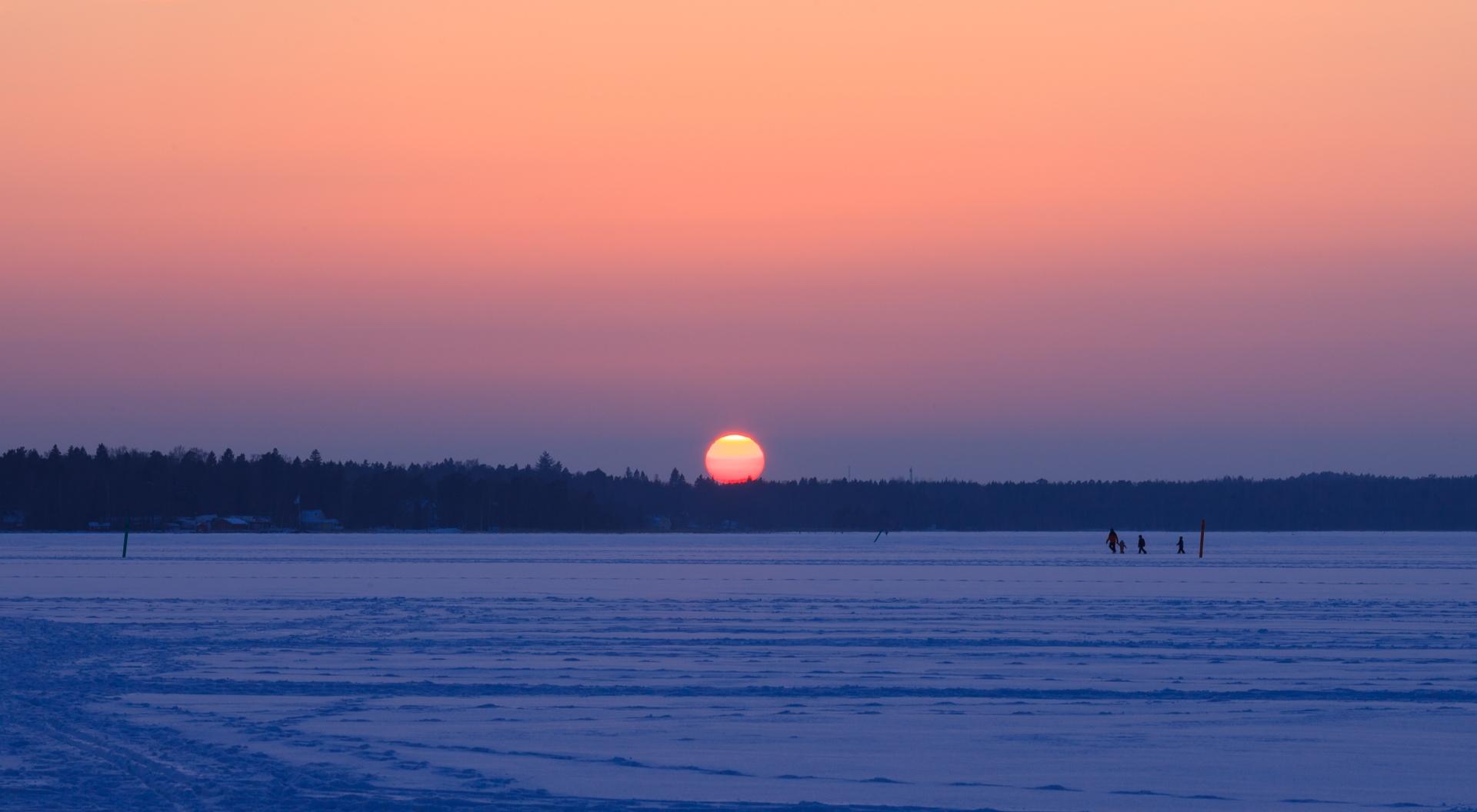 rays Sun - photography, finland - anttitassberg   ello