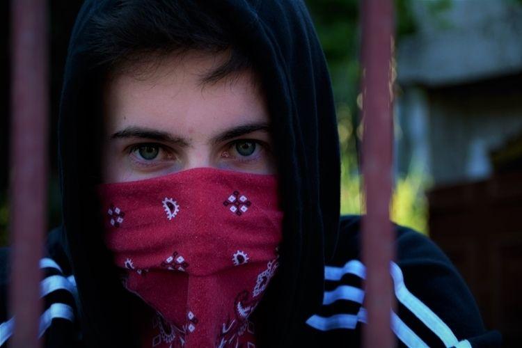 Hidden identity  - Nikon, eyes, green - ferranllerena | ello