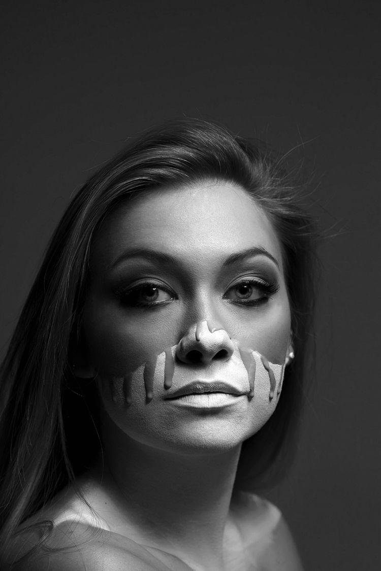 Katia, con de - portrait, retrato - jorgedeandres | ello