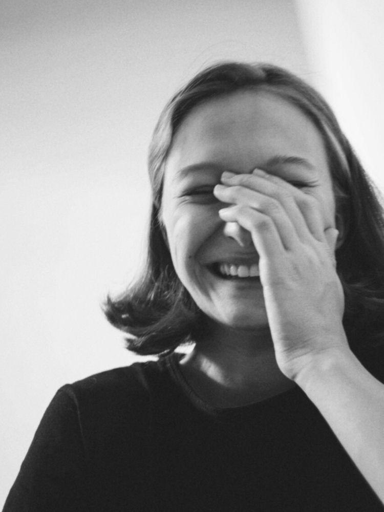 love smile laughter. hands - bw - lisch | ello
